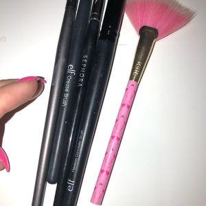 Sephora Makeup - BRUSH BUNDLE: 5 brushes all different styles (new)